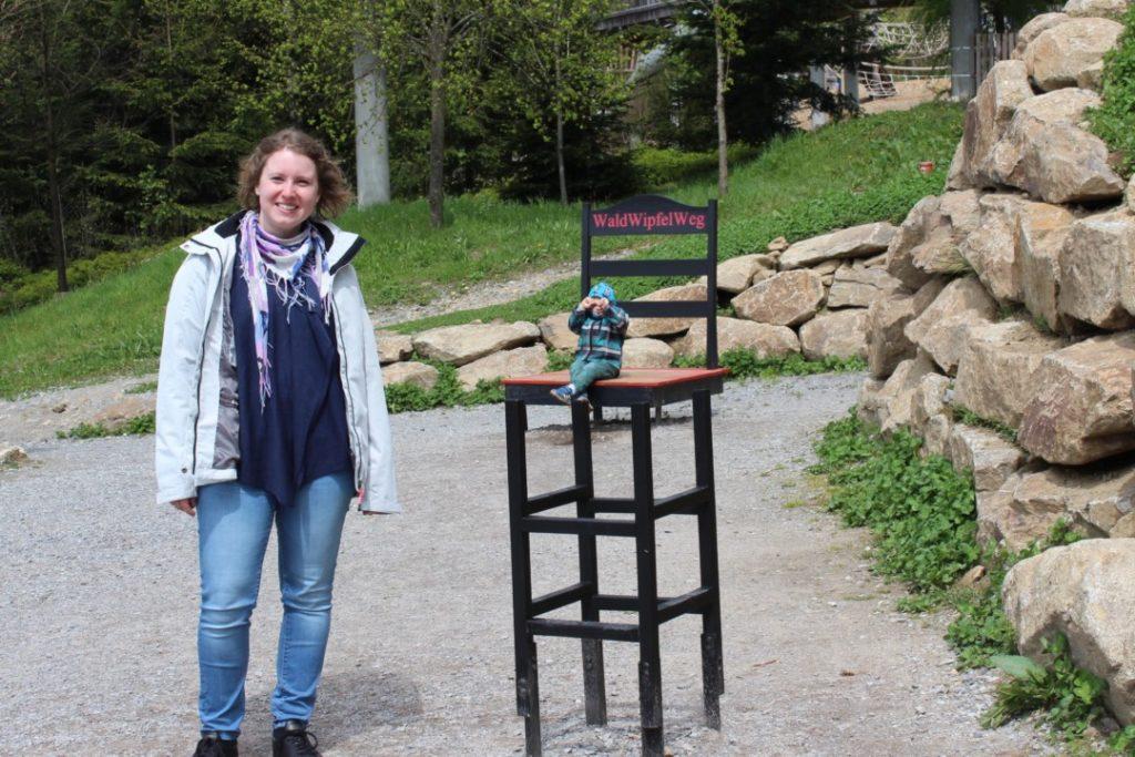 Wald Wipfel Weg - Optische Täuschung Stuhl